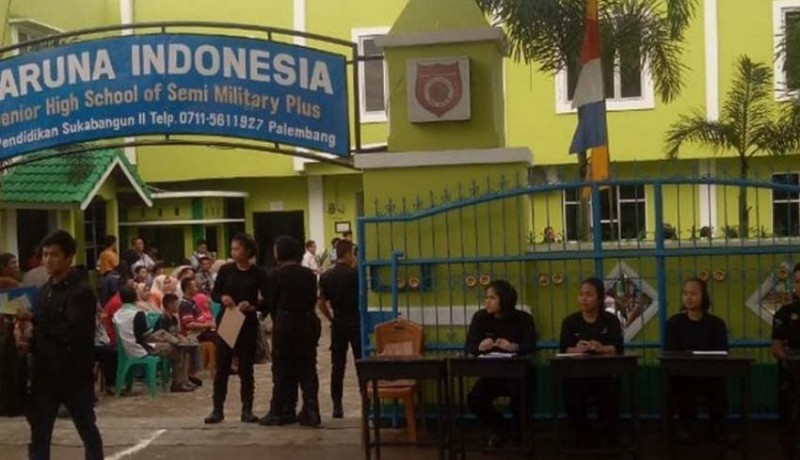 www.nusabali.com-sma-taruna-palembang-dibekukan-1-tahun