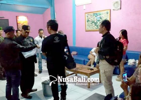 Nusabali.com - prostitusi-berkedok-warung-kopi-digaruk-tim-gabungan