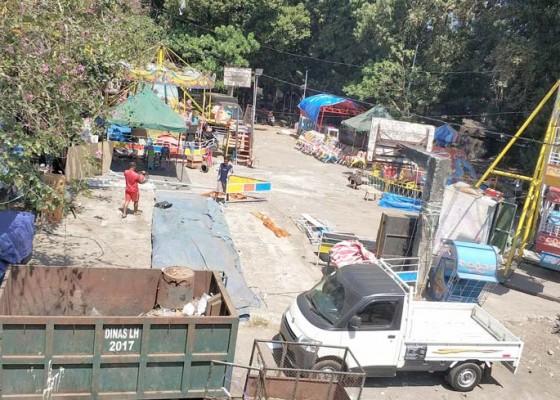 Nusabali.com - sampah-eks-pasar-adat-pergung-ditarget-bersih-rabu-besok