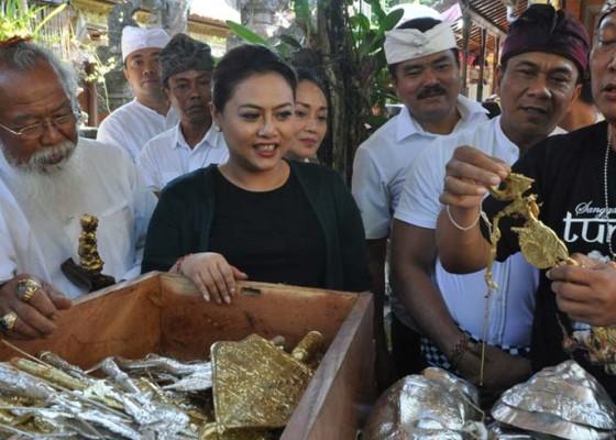 Nusabali.com - bupati-tabanan-pentaskan-topeng-emas-gajah-mada-di-festival-ulun-danu-beratan