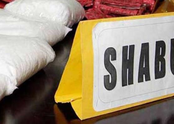 Nusabali.com - pengedar-shabu-dalam-bungkus-permen-disidang