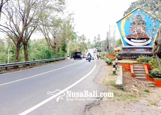 Nusabali.com - tebing-tusan-dipasangi-saluran-air