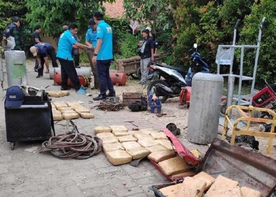 Nusabali.com - 200-kg-ganja-disimpan-di-rumah-kontrakan