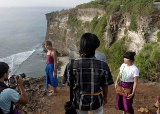 Nusabali.com - target-kunjungan-wisatawan-diturunkan-jadi-6-juta