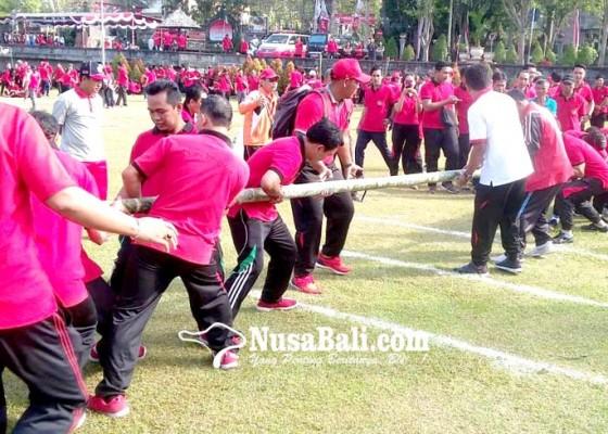 Nusabali.com - lomba-permainan-tradisional-meriahkan-hut-kota-negara