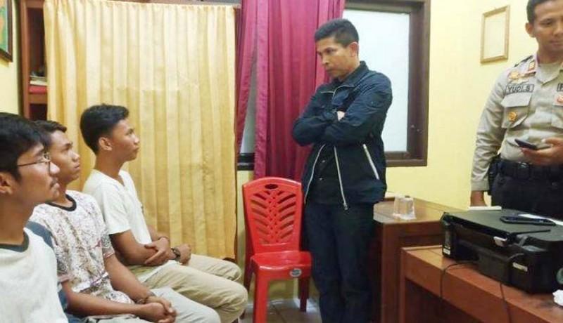 www.nusabali.com-diduga-kencingi-merah-putih-4-orang-ditangkap