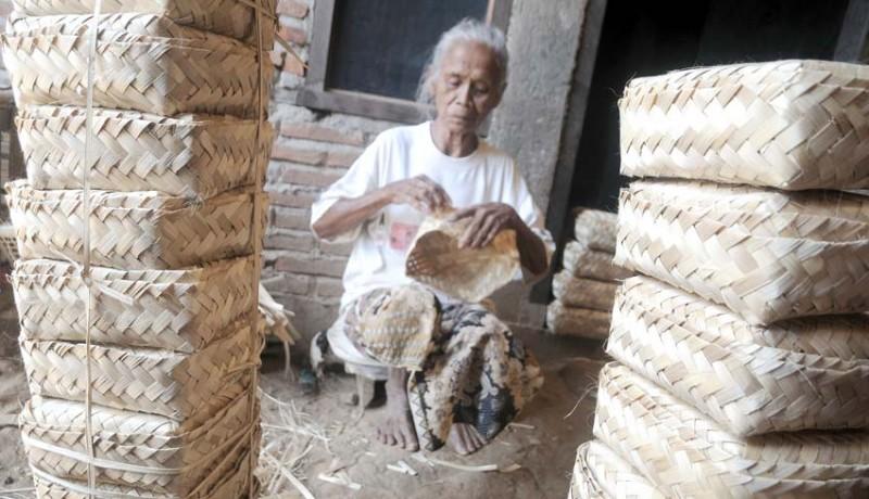 www.nusabali.com-kerajinan-besek-bambu