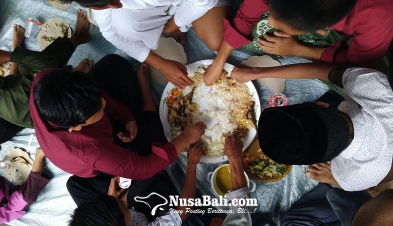 www.nusabali.com-tradisi-megibung-ala-kampung-muslim-buitan-karangasem