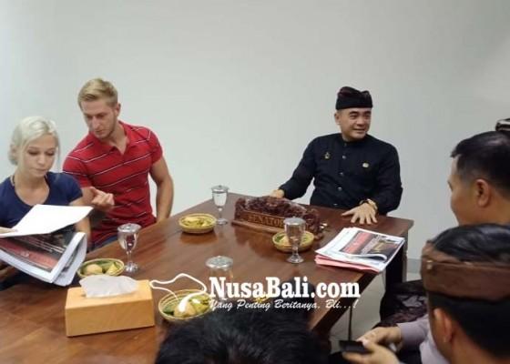 Nusabali.com - mekonceng-di-pancoran-beji-dituntut-hadir-saat-upacara-guru-piduka