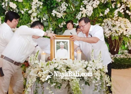 Nusabali.com - alfrans-bambang-akan-dimakamkan-di-kuburan-kerta-semadi-mumbul-nusa-dua
