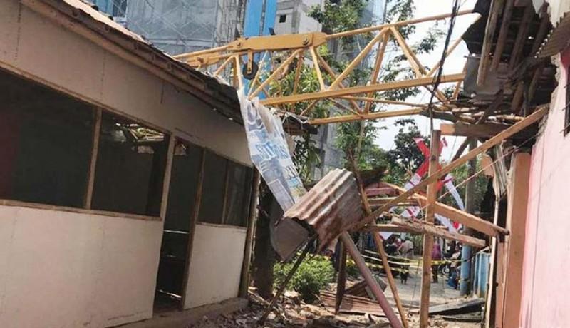 www.nusabali.com-timpa-3-rumah-satu-warga-luka