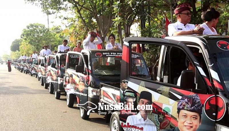www.nusabali.com-sebelum-dilantik-18-dewan-dari-pdip-konvoi-naik-pick-up