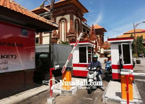Nusabali.com - tiga-pasar-bakal-terapkan-lagi-e-parkir