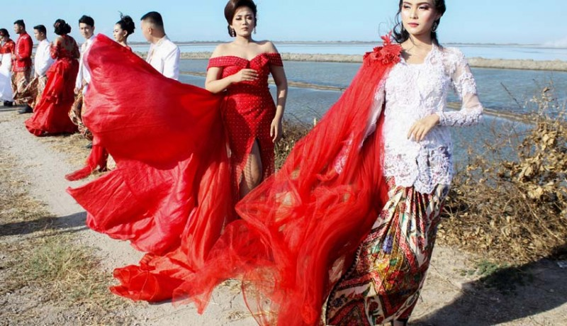 www.nusabali.com-fashion-show-di-tanggul-lapindo