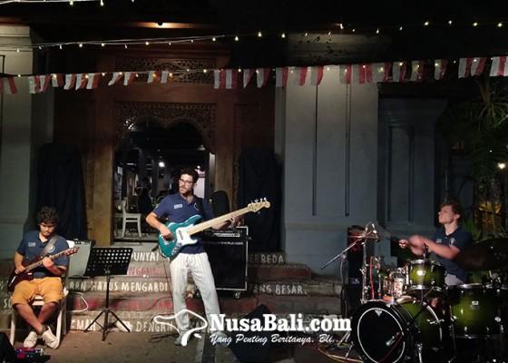 Nusabali.com - menjelajah-ruang-angkasa-bersama-voyage-4-di-jazz-under-the-tree