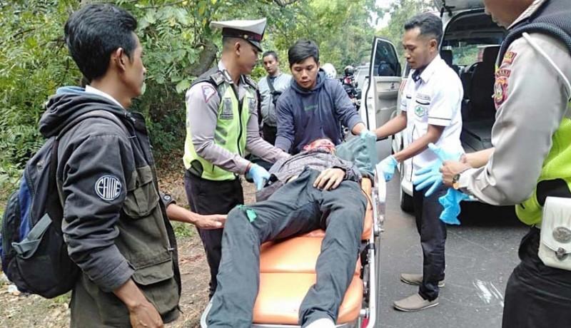 www.nusabali.com-mobil-bule-australia-tabrak-pemotor-hingga-tewas