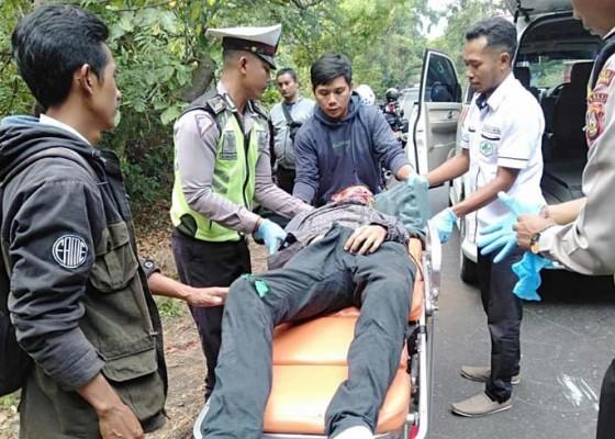 Nusabali.com - mobil-bule-australia-tabrak-pemotor-hingga-tewas
