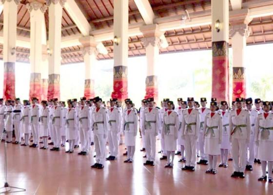 Nusabali.com - anggota-paskibra-kabupaten-badung-dikukuhkan