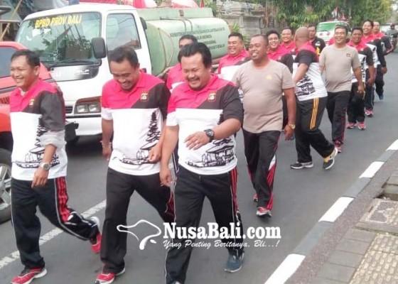 Nusabali.com - puluhan-polisi-gendut-dipaksa-turun-berat-badan