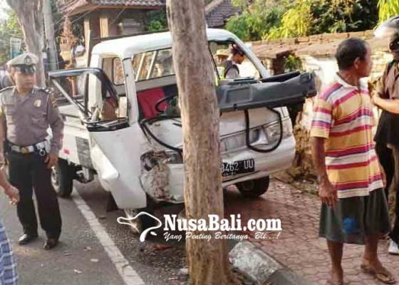Nusabali.com - pick-up-seruduk-sepeda-lima-terluka