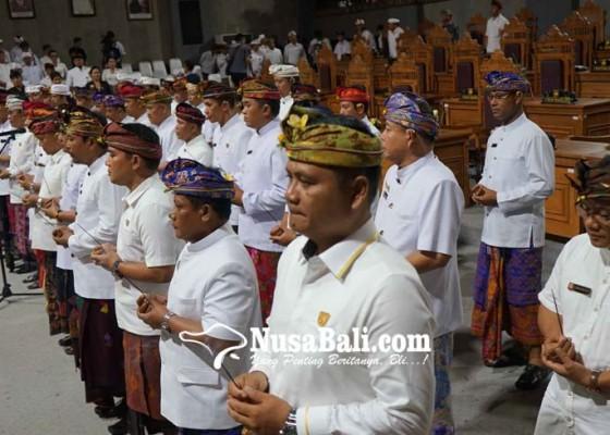 Nusabali.com - demokrat-hanura-saling-klaim-bentuk-fraksi