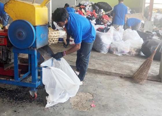 Nusabali.com - badung-target-kelola-sampah-mandiri-di-2021