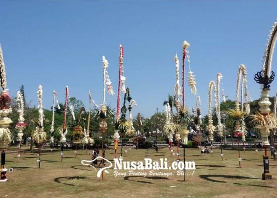 Nusabali.com - juri-dinilai-tak-fair-lomba-penjor-hias-diwarnai-protes
