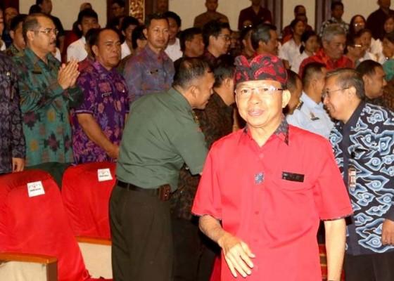 Nusabali.com - koster-pamer-penerapan-sistem-anti-korupsi-di-depan-kpk