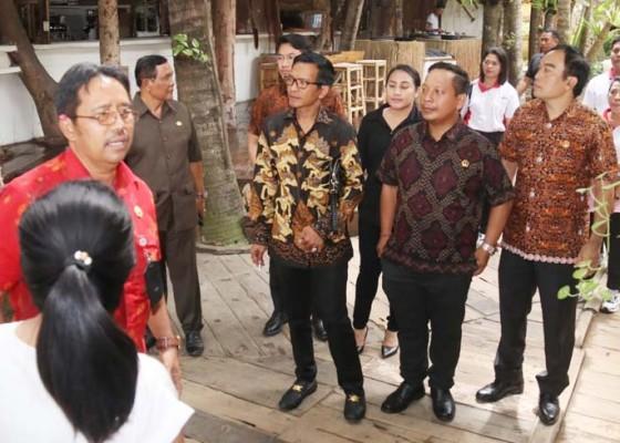 Nusabali.com - pejabat-pemungut-pajak-dan-pengusaha-diwarning