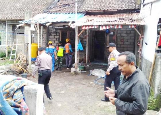 Nusabali.com - ditinggal-hadiri-hut-ri-rumah-warga-terbakar