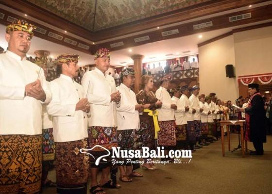 Nusabali.com - pdip-lepas-satu-akd-dprd-denpasar