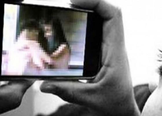 Nusabali.com - mahasiswa-sebar-video-intim-dengan-pacar