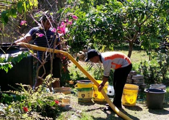 Nusabali.com - bpbd-distribusikan-air-bersih-di-2-banjar
