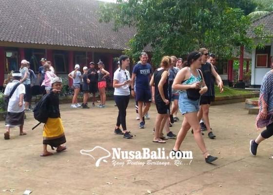 Nusabali.com - sd-di-bangli-sering-dikunjungi-turis