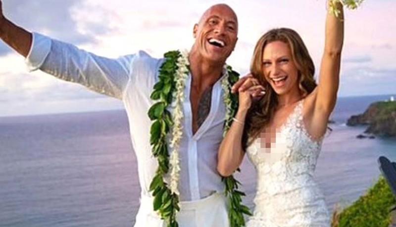 www.nusabali.com-the-rock-menikah-setelah-12-tahun-pacaran
