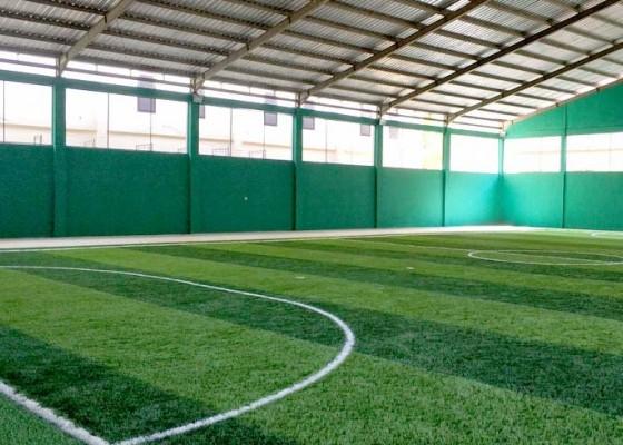 Nusabali.com - pembangunan-gedung-futsal-ditarget-rampung-bulan-depan