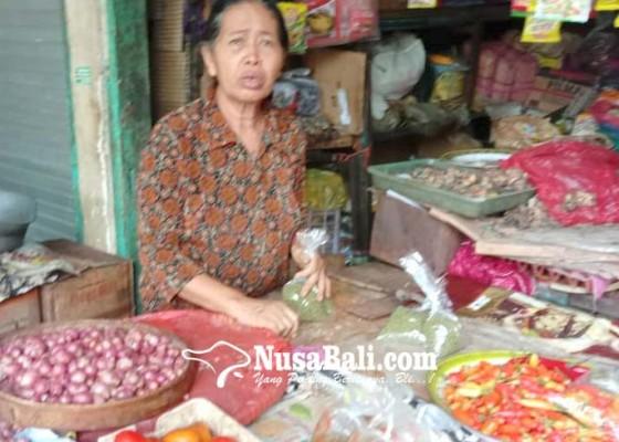 Nusabali.com - cabe-mahal-pedagang-berharap-pasokan-dari-jawa