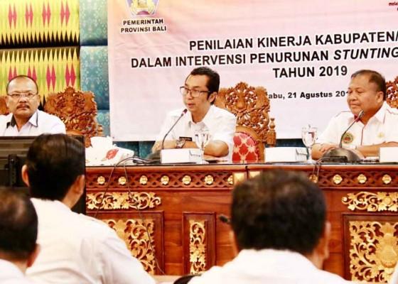 Nusabali.com - pemprov-bali-lakukan-penilaian-kinerja-pemkab-turunkan-stunting-balita