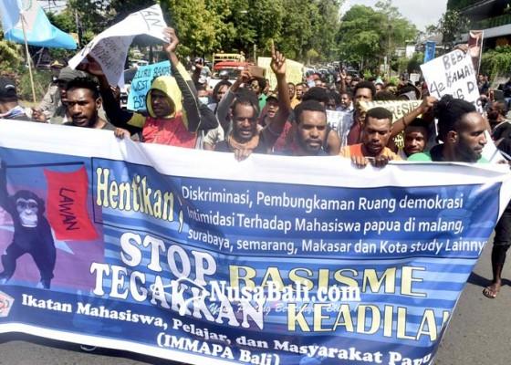 Nusabali.com - mahasiswa-papua-gelar-aksi-damai
