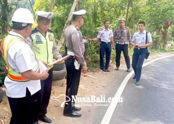 Nusabali.com - km-12-jalur-singaraja-gitgit-prioritas-pemasangan-guardrail