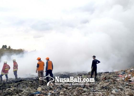 Nusabali.com - tpa-mandung-terbakar-api-sulit-dipadamkan