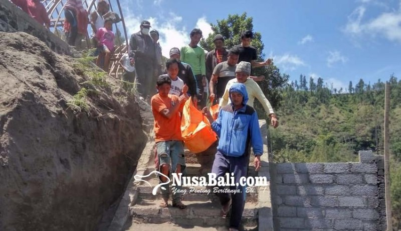 www.nusabali.com-proyek-vila-longsor-2-buruh-tewas