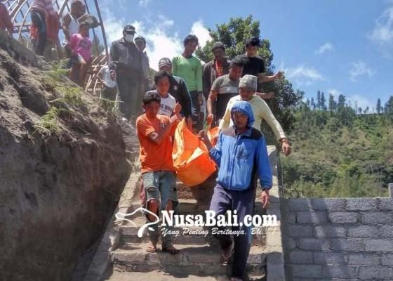Nusabali.com - proyek-vila-longsor-2-buruh-tewas