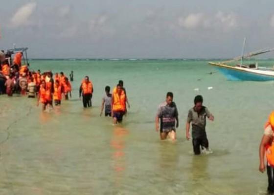 Nusabali.com - kapal-terbakar-4-tewas-23-hilang