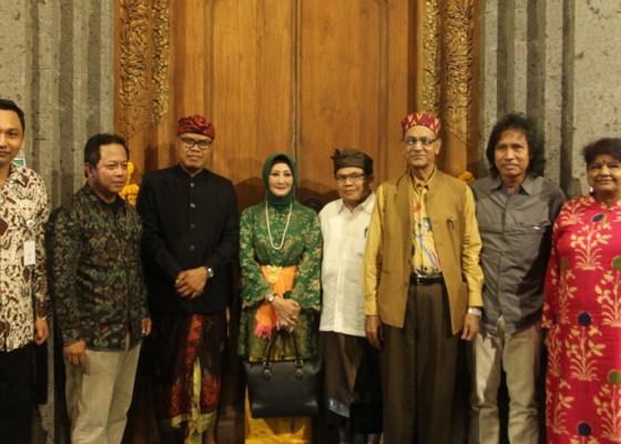Nusabali.com - 50-perupa-muda-indonesia-unjuk-karya-di-bali