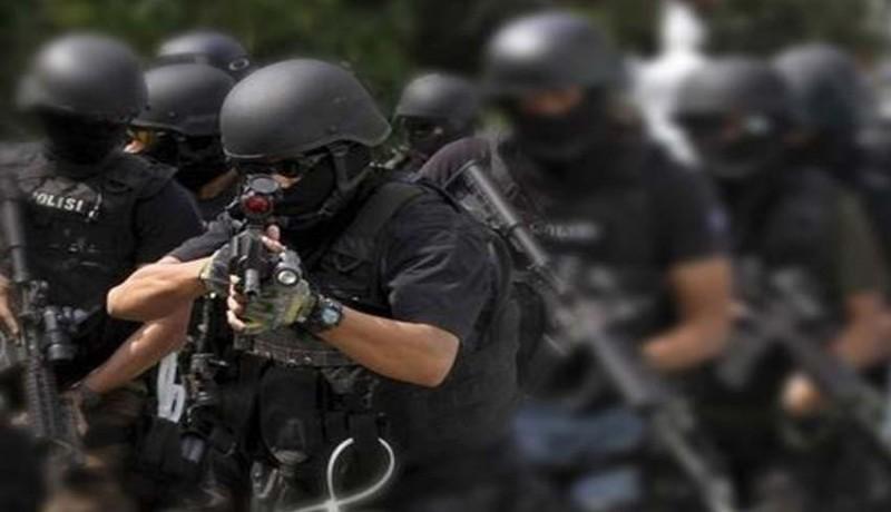 www.nusabali.com-densus-88-tangkap-terduga-teroris-di-lamongan