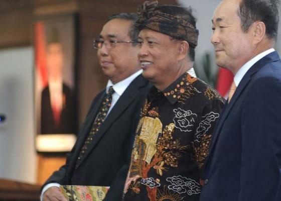 Nusabali.com - rektor-asing-pertama-masuk-indonesia