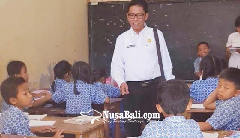 www.nusabali.com-ruang-kelas-terlanjur-dibongkar