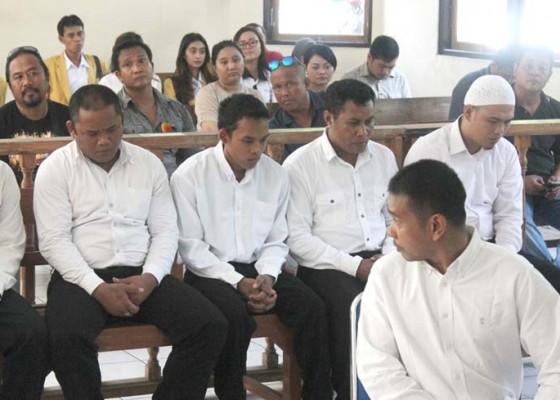 Nusabali.com - 8-terdakwa-tolak-keterangan-saksi