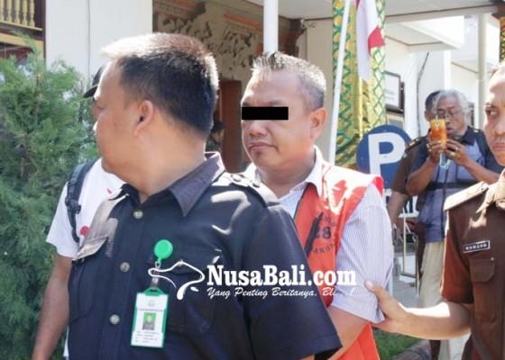 Nusabali.com - perbekel-celukan-bawang-non-aktif-ditahan